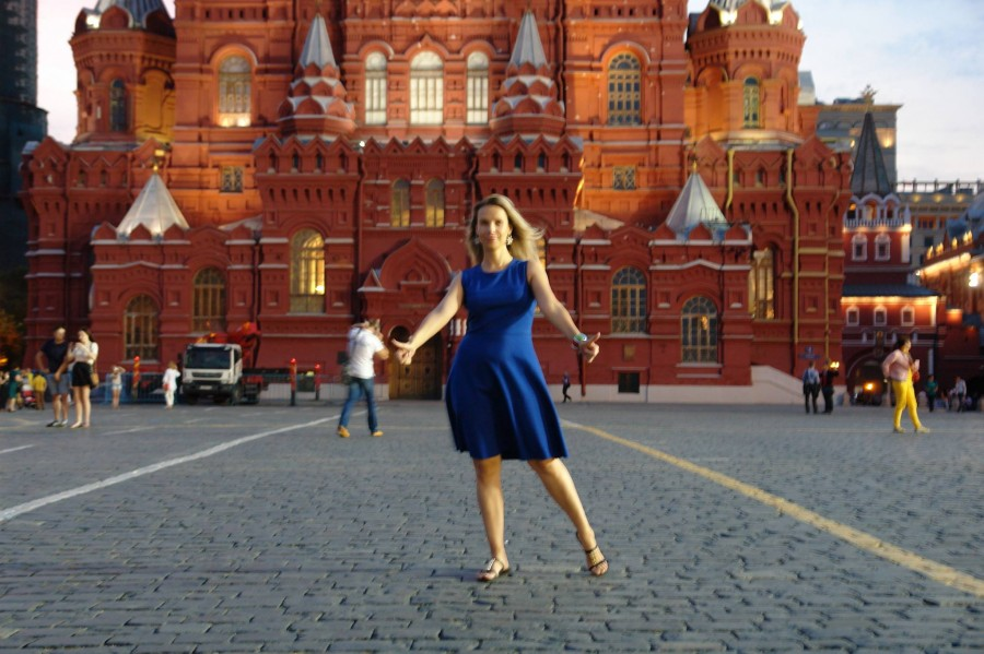 позы для фотосессии на красной площади сложнее, чем вставить