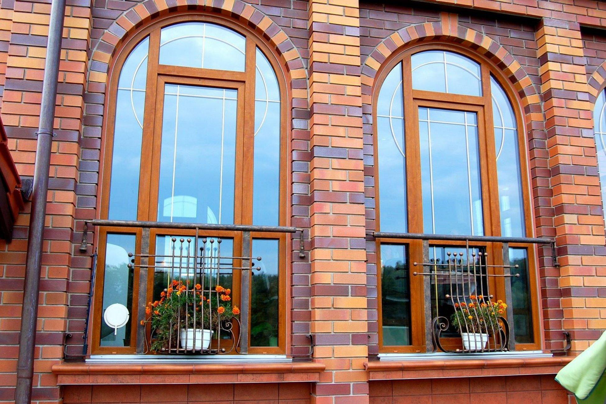 Красивые окна в коттедже фото