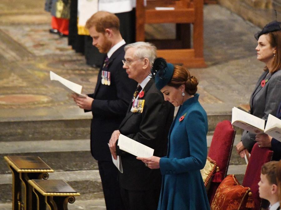 Служба в честь Anzac Day в Вестмистерском Аббатстве. Обновляется