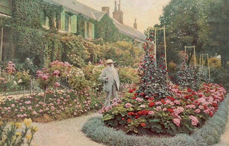 Клод Моне в своём саду в Живерни