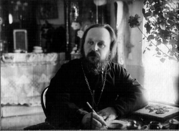 Священномученик Виктор Островидов