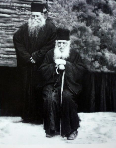 Схиигумен Климент с написавшим икону арх. Хризостомом
