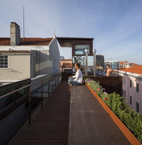 House-in-Lisbon-6