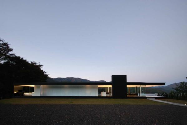 Lakeside-House-1