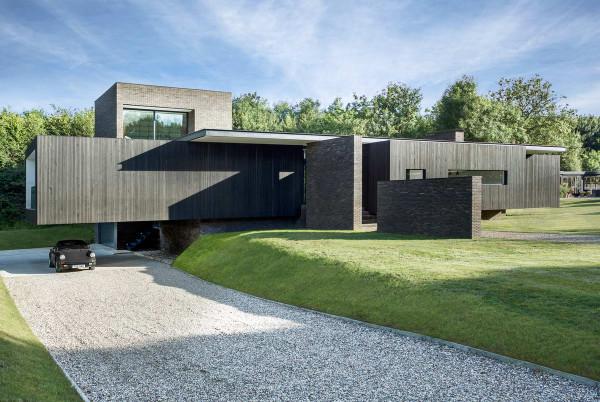 Black-House-1