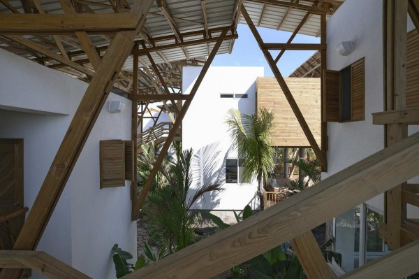 Guatemala-Beach-House-2