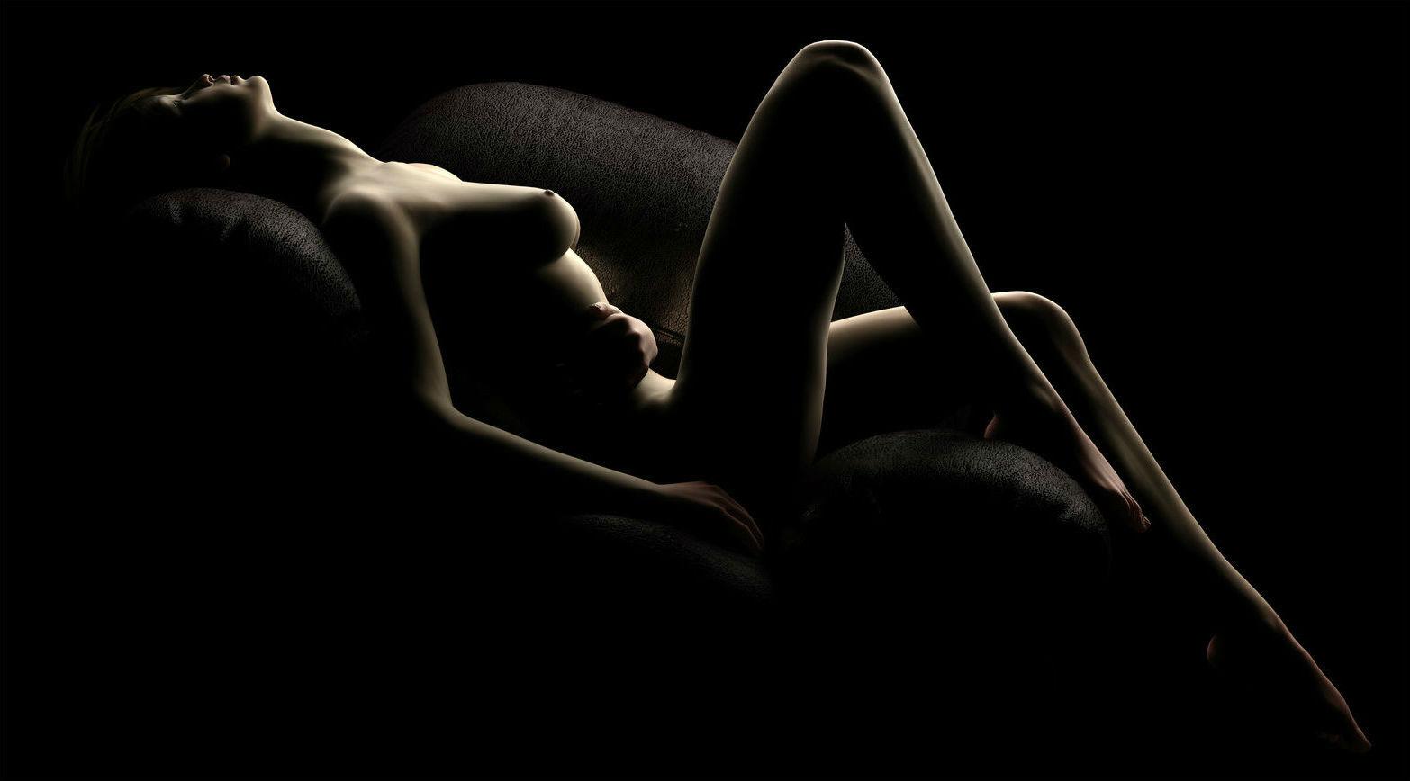 Эротические картинки на черном фоне, писают на природе скрытая камера