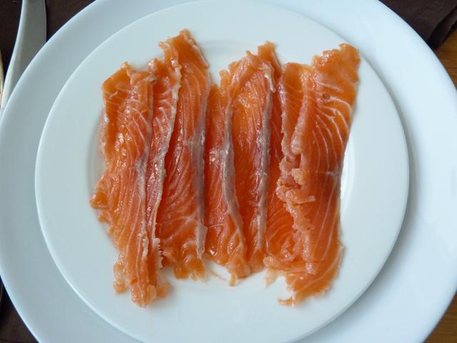 Слабосоленая семга, форель, красная рыба