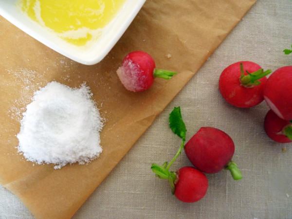 редиска со сливочным маслом и солью