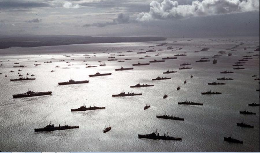 Военно-морской парад в честь коронации Елизаветы ІІ.