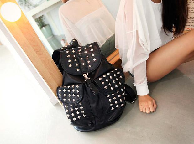 photo-stud-backpack-lj