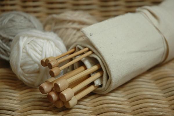 knitting-needle-holder-how-to