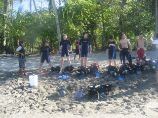 Everyone learning how to use their SCUBA equipment