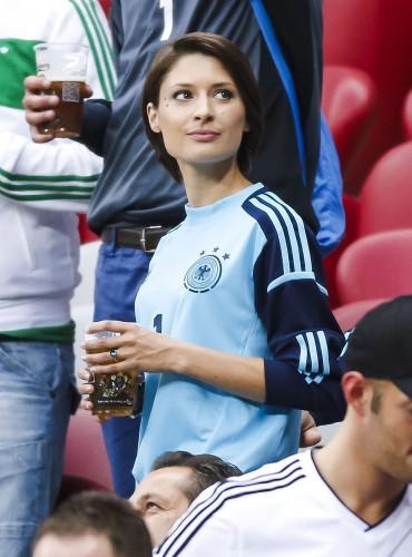 Мануэль нойер с девушкой фото