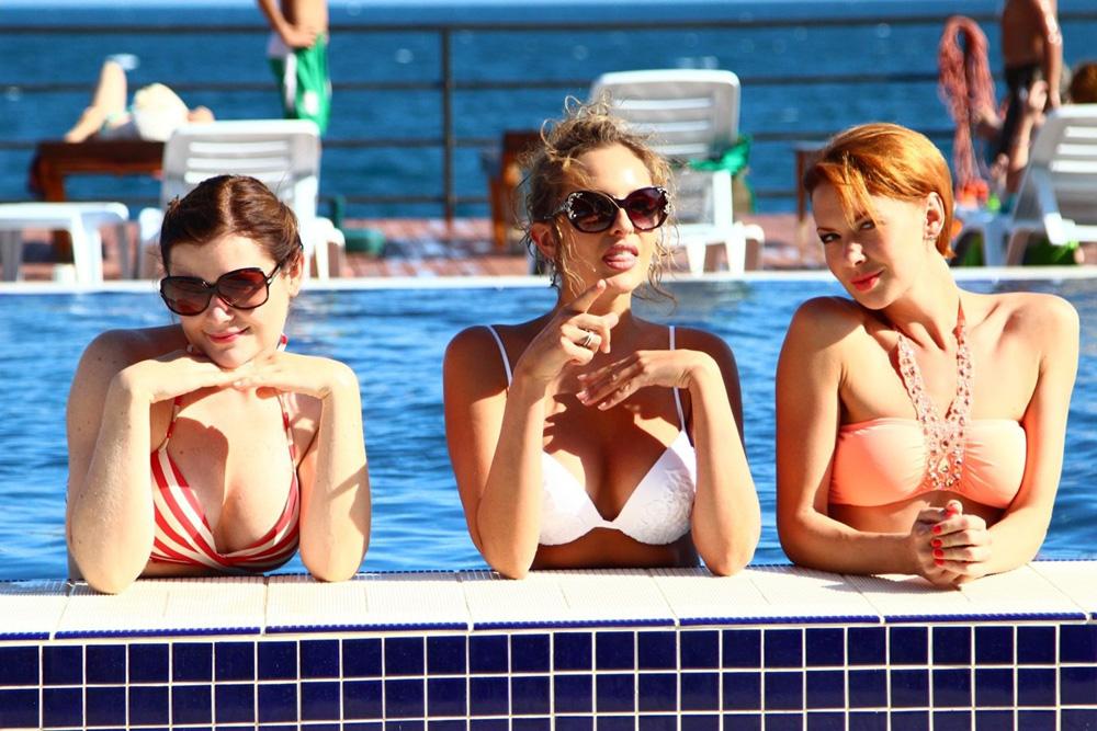 девчонки за границей веселятся секс