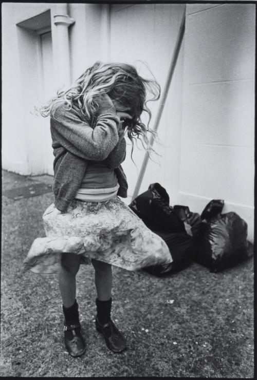 009_Voge - Crying Child, from Women's Aid, 1978.obraz do artykułu