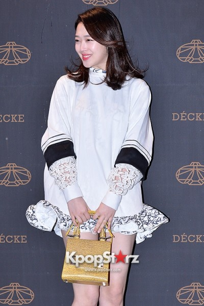 f-x-s-sulli-attends-decke-flagship-store-opening-event-march-20-2014-photos (13)