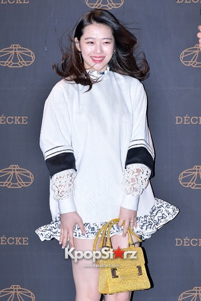 f-x-s-sulli-attends-decke-flagship-store-opening-event-march-20-2014-photos (16)