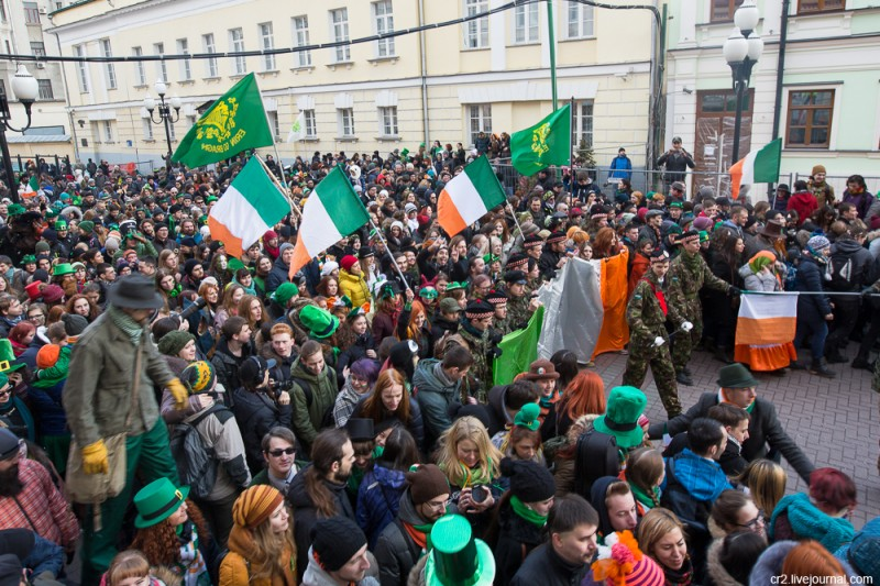 Парад в честь Дня святого Патрика. Москва, Арбат. 2016 год
