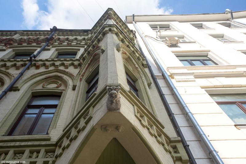 Детали доходного дома Московского акционерного общества в Нащокинском переулке. Москва