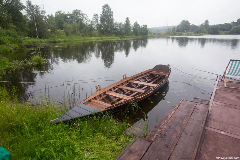 Воссозданная петровская лодка