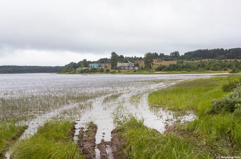 Вид на деревню Карпова и Долгое озеро. Кенозерский национальный парк, Архангельская область