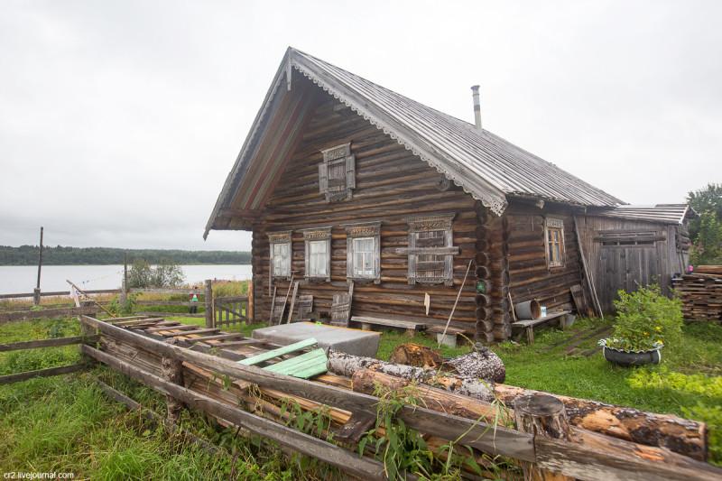 Разукрашенный дом. Деревня Карпова. Кенозерский национальный парк, Архангельская область