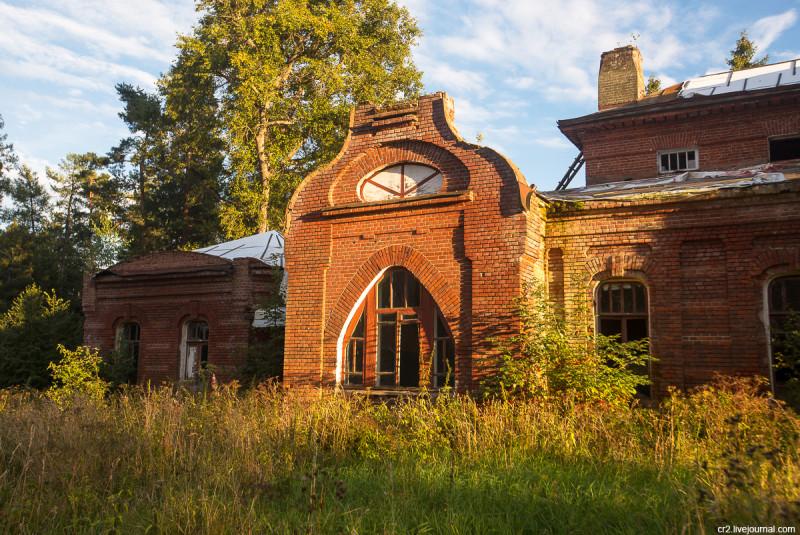 Заброшенная усадьба Матренино, элементы главного дома. Нелидовский городской округ, Тверская область