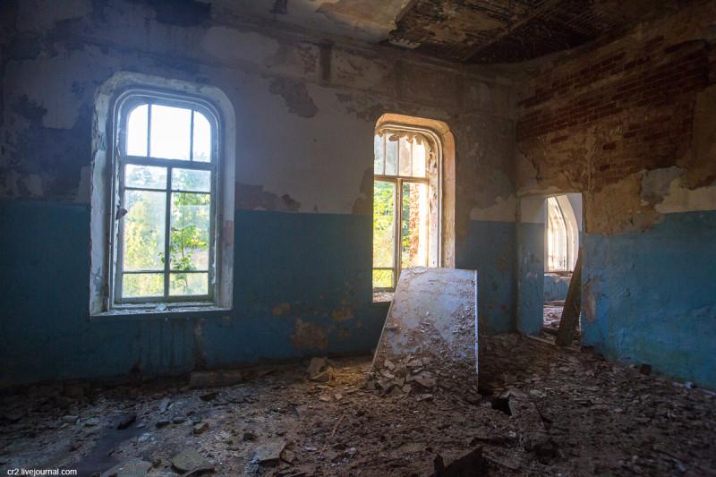 Заброшенная усадьба Матренино, интерьеры 1-го этажа. Нелидовский городской округ, Тверская область