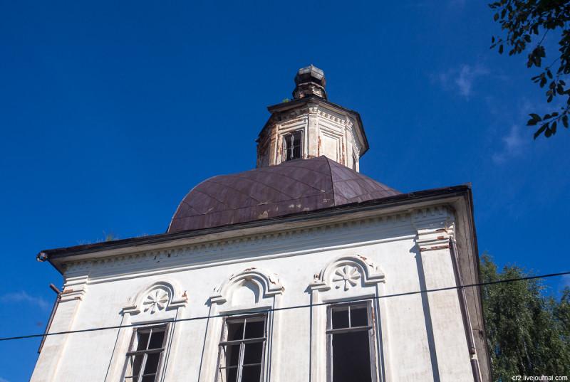 Вознесенская церковь с барочными украшениями. Возгрецовская, Архангельская область