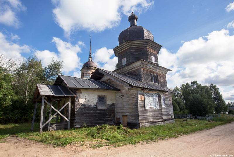 Деревянная Ильинская церковь 18-го века. Возгрецовская, Архангельская область
