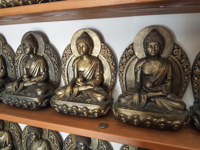 Статуи божеств внутри Ступы Просветления. Москва. Фото автора поста
