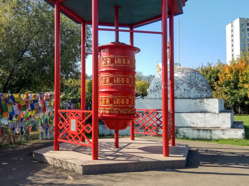 Пагода Рая с молитвенным барабаном, детали. Москва. Фото автора поста