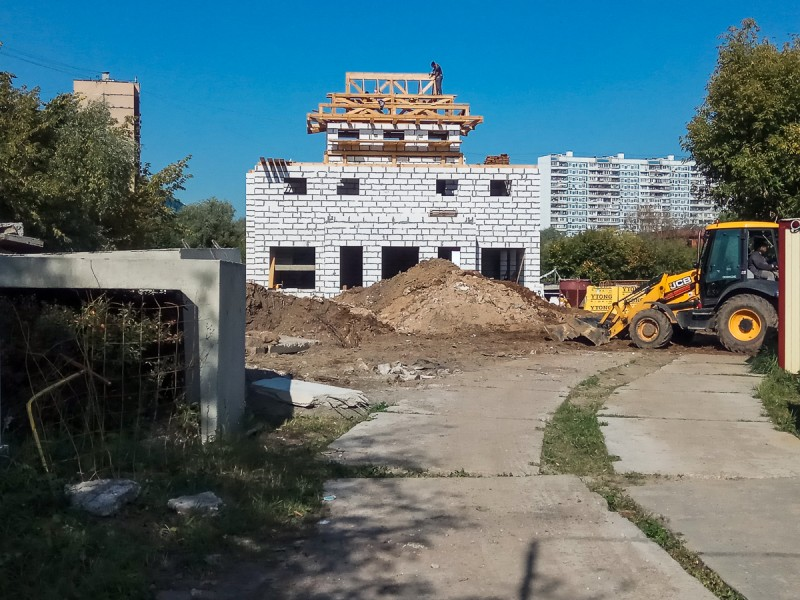 Строительство малого буддийского храма. Москва. Фото автора поста