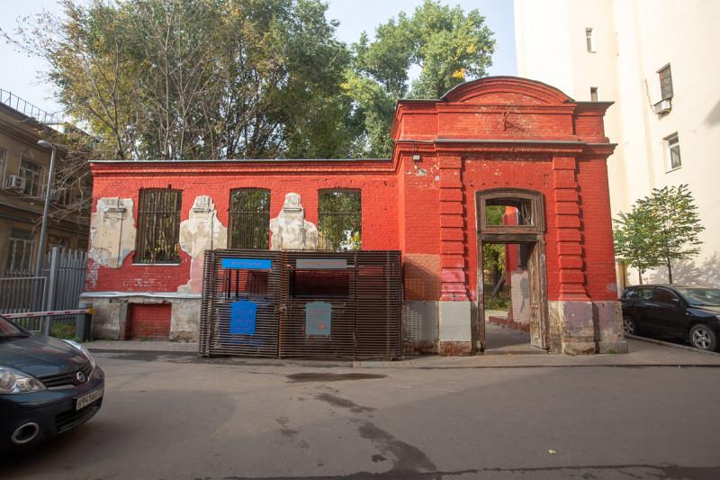 Законсервированные руины дома во дворах Маросейки. Москва. Фото автора поста