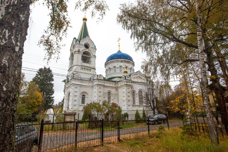 Троицкая церковь 20-го века. Посёлок Троицкий, Московская область. Фото автора поста