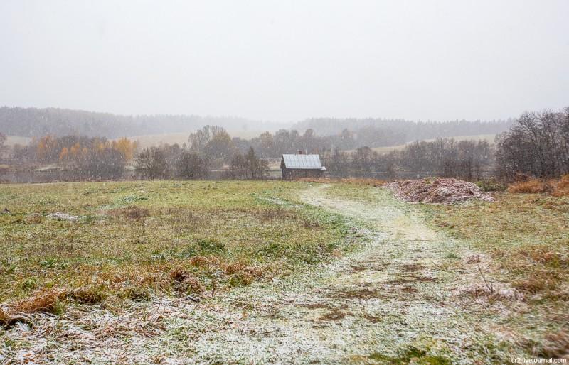 Окрестности усадьбы Мураново при первом снеге. Московская область