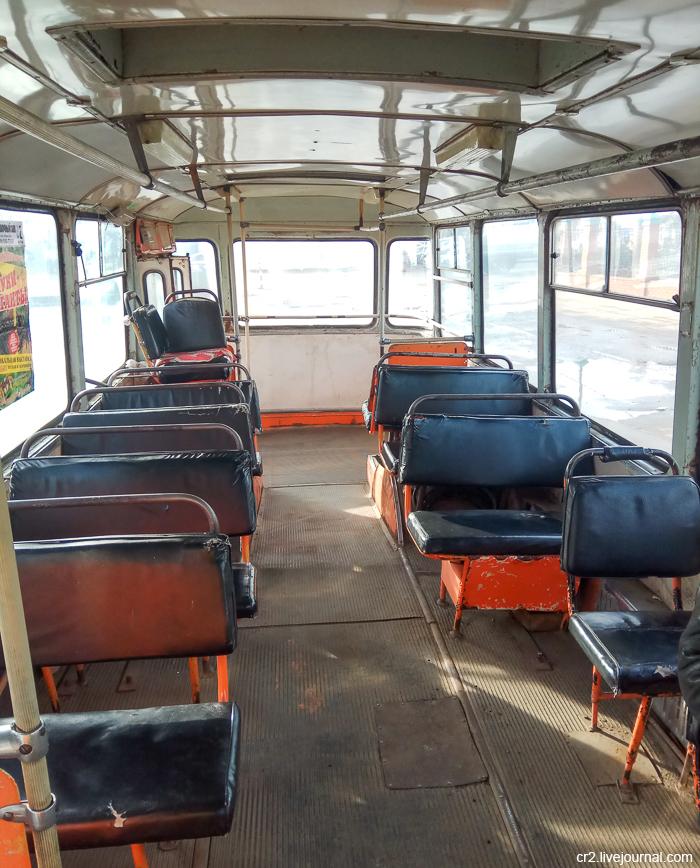 Салон автобуса ЛиАЗ-677. Арзамас, Нижегородская область