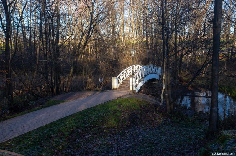 Усадьба Остафьево, Горбатый мостик в парке. Новая Москва