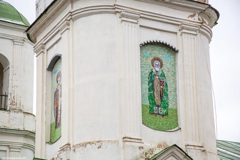 Воскресенская церковь, детали. Молоди, Московская область