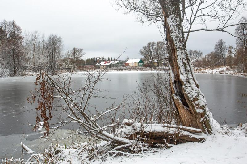 Пруд в усадьбе Захарово, где прошли детские годы А.С. Пушкина. Московская область