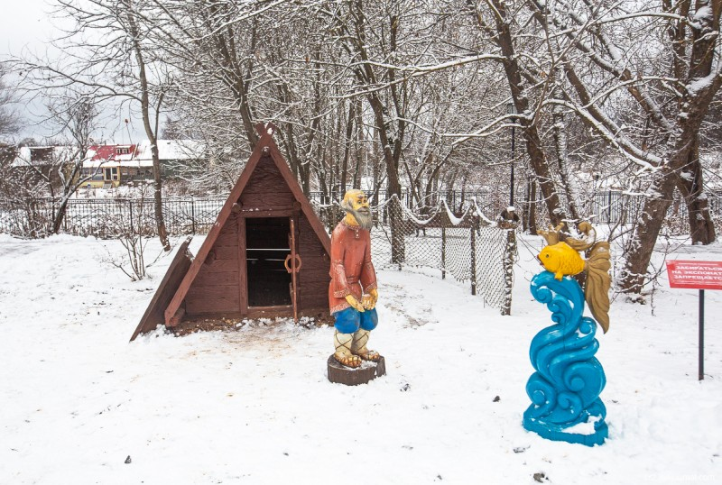 Герои пушкинских произведений в усадьбе Захарово, где прошли детские годы поэта. Московская область