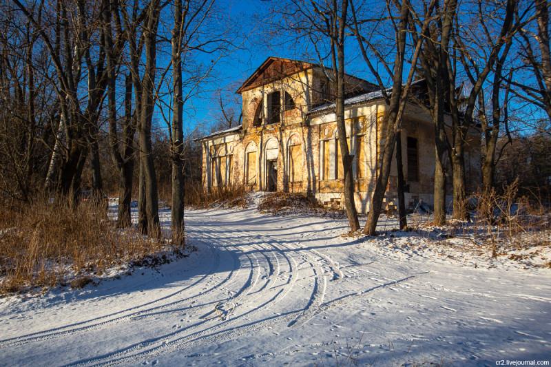 Главный дом усадьбы Ляхово. Московская область