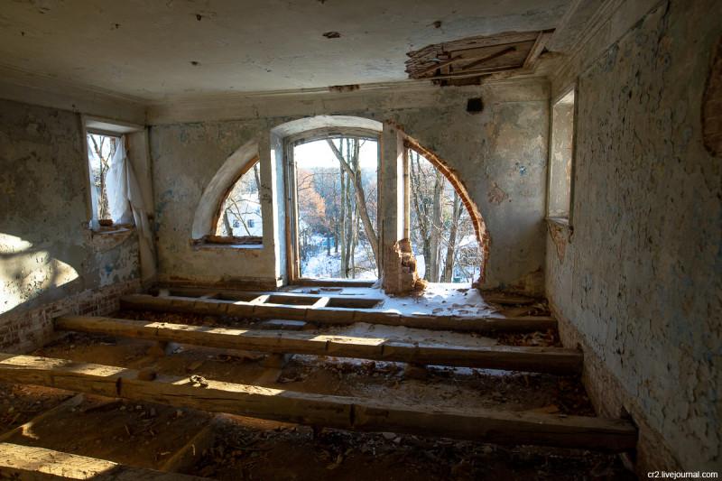 Главный дом усадьбы Ляхово, детали интерьера. Московская область