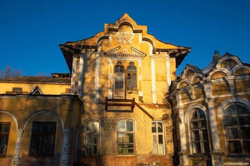 Детали главного дома усадьбы Алтуфьево. Москва