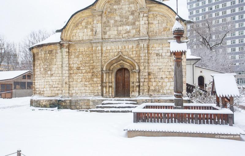 Церковь Трифона в Напрудном - одна из самых старых построек Москвы