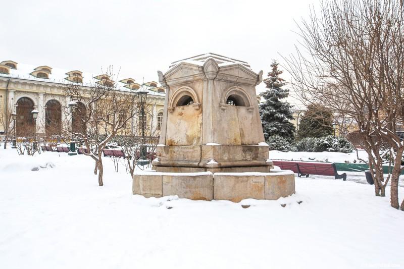 Коллектор реки Неглинной в Александровском саду. Москва