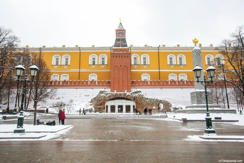 Грот в Александровском саду. Москва