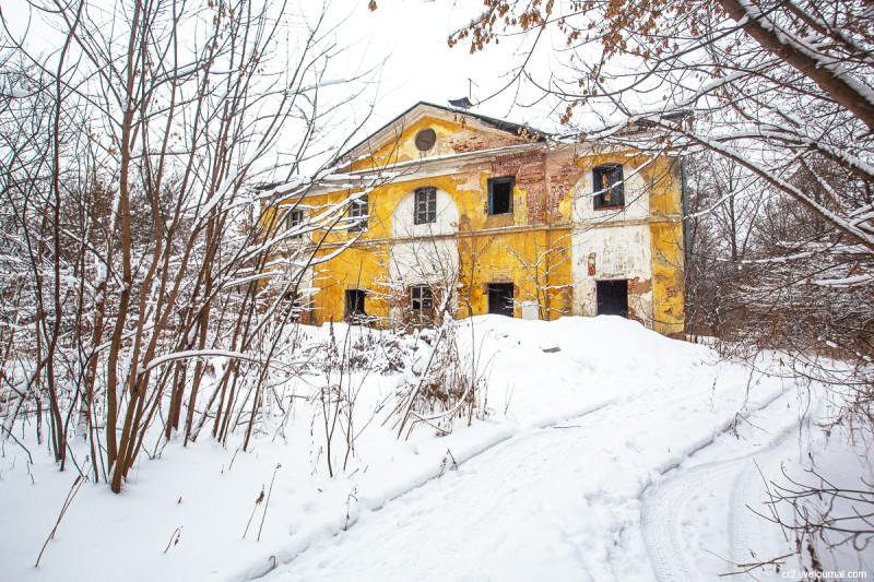 Служебная постройка усадьбы Горенки. Московская область
