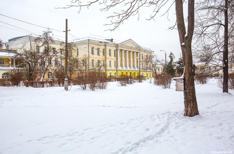 Главный дом усадьбы Горенки. Московская область